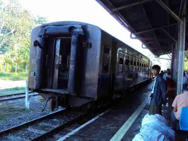 Zug nach Hsipaw