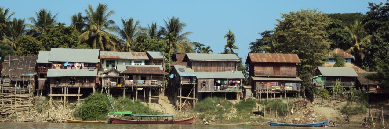 Häuser entlang des Irrawaddy