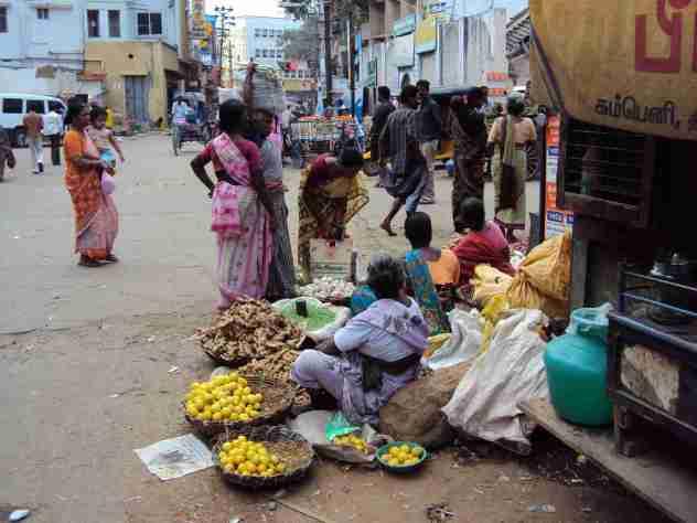 Frauen beim Verkaufen in Madurai