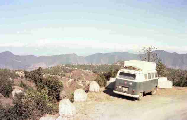 VW-Bus and the Himalayas