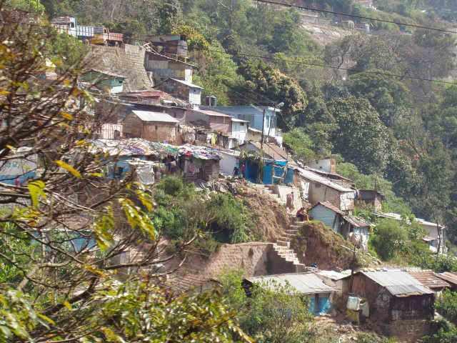 Häuser entlang des Treks