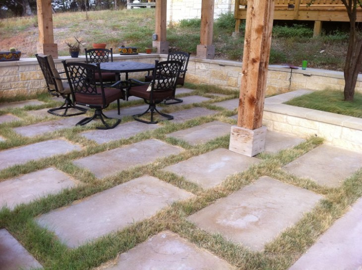 Mowed to the height of three inches, it looks more traditional.  Photo: Mark Simmons, Lady Bird Johnson Wildflower Center.
