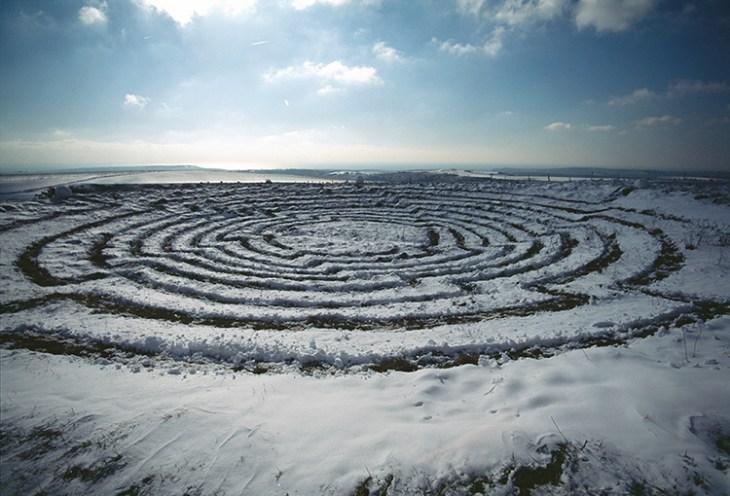 Snow Vortex, Sussex, UK, 1999. Courtesy Chris Drury; photos: © Chris Drury.