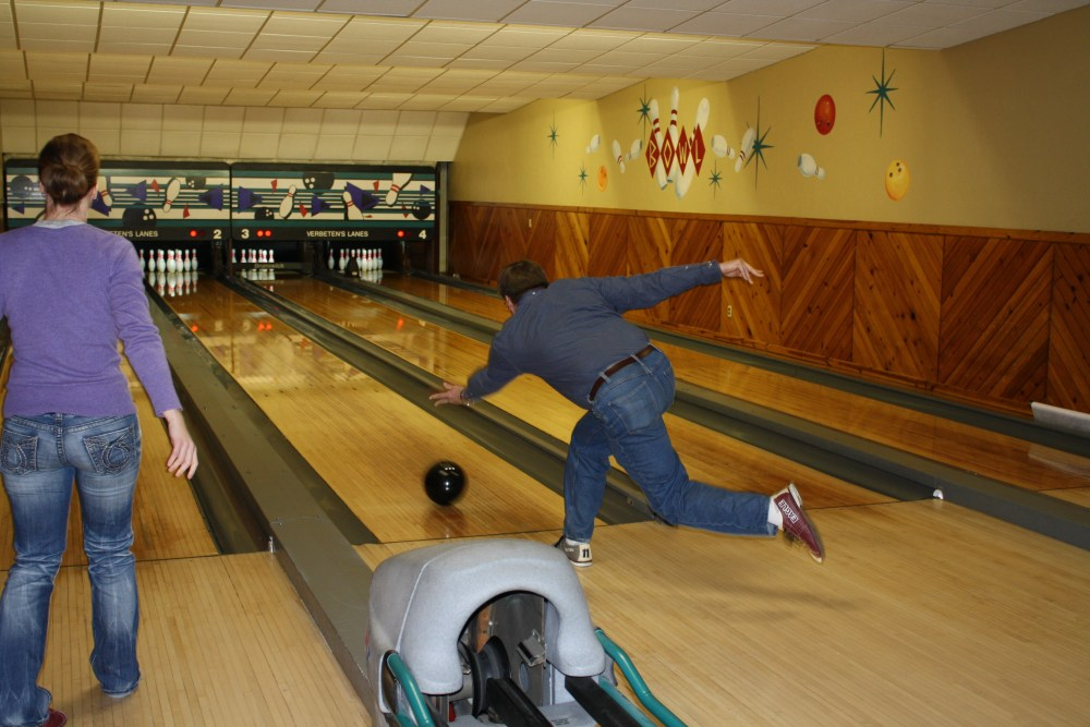 Company Christmas Bowling Party (3/6)