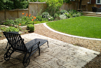 Small Yard Landscaping Ideas Pictures Designs Plans on Small Yard Landscaping id=72601