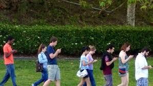 kidswalkingwith-iphones