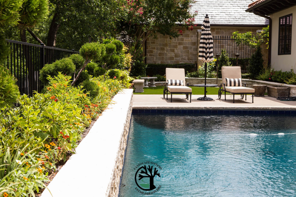 Making your Backyard an Oasis [Pool Landscaping Design ... on Backyard Pool And Landscaping Ideas id=75974