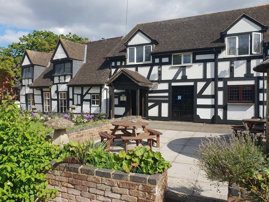 Thatch Inn 4