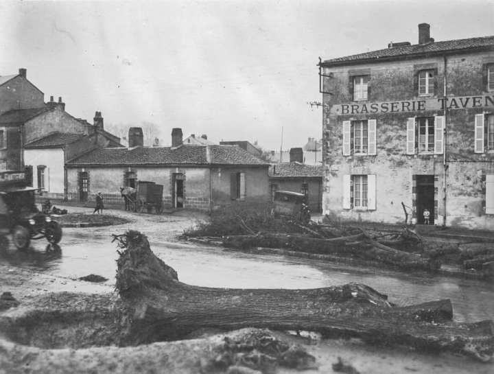Brasserie Taveneau décembre 1931 boulevard d'angleterre La Roche-sur-yon arrachage des ormes