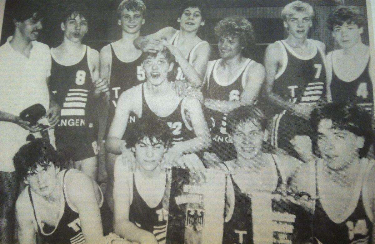 18.Saison83-84-B-Jungen-deutsche-Meister-1200pb