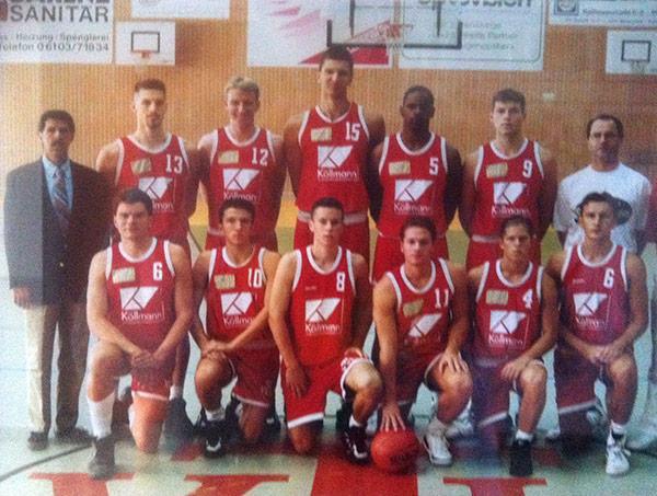 29_Saison_94-95_Team-He1