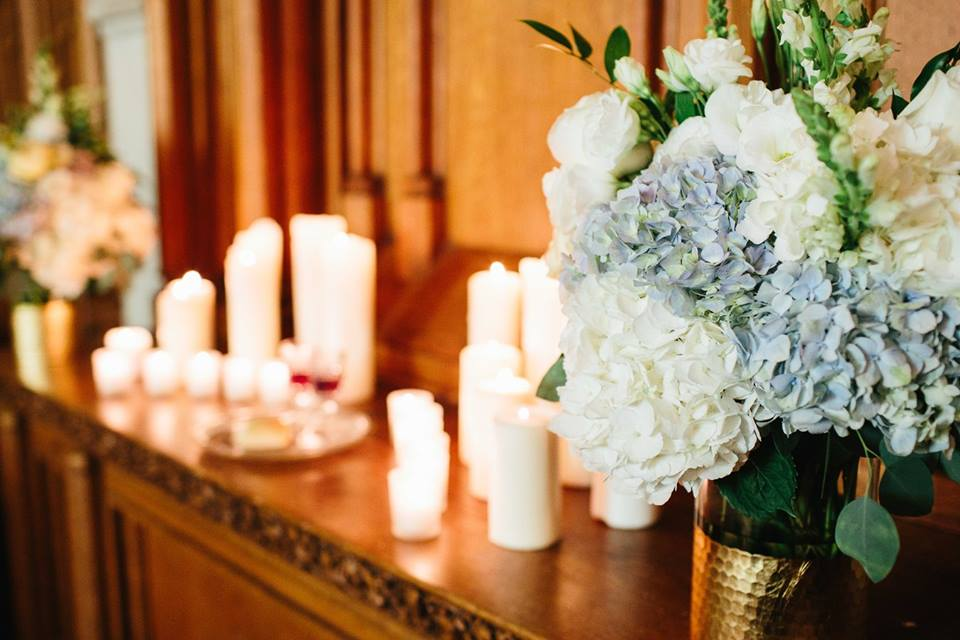 Cascading_bouquet_white_and_green_Patton_chapel_UTC_Chattanooga_Wedding_Flowers_Lang_Floral_Designs_5