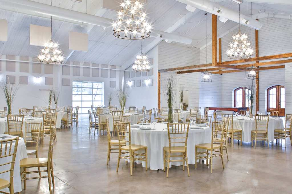 Avon Acres, Wedding Venues in TN, Lang Floral Designs, Chattanooga Wedding Florist