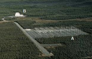 Gambar 2 Foto udara fasilitas HAARP. A adalah kompleks instrumen utama seluas 13 hektar yang terdiri dari 180 antenna radi frekuensi tinggi. Sementara B adalah gedung utama, yang merupakan bekas stasiun radar OTH dan telah ditutup.  Sumber : Anonim, 2012.