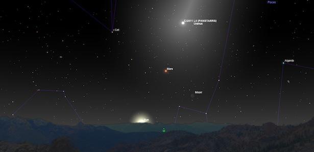 Penampakan komet PANSTARRS tanggal 13 Maret bersama Bulan Sabit tipis. kredit: Sky Safari Pro