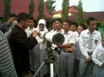 Pelatihan penggunaan teleskop