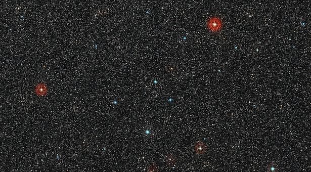 Langit di sekeliling bintang HD 95806 yang berada di selatan rasi bintang Carina. Kredit: ESO/Digitized Sky Survey 2. Acknowledgement: Davide De Martin