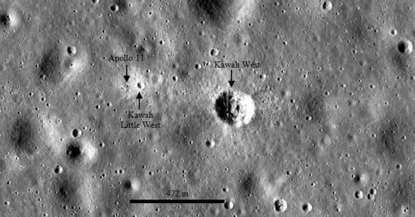 Gambar 5. Tampilan peta WMS Image saat batang skala menunjukkan angka 472 meter dan kemudian diedit. Kawah West dan  Little West terlihat jelas. Bahkan bagian bawah modul Bulan Apollo 11 pun sudah terlihat meski sekilas terlihat masih sulit dibedakan dengan lingkungan sekitarnya. Panduan arah, atas = utara, kanan = timur. Sumber: Arizona State University, 2013.