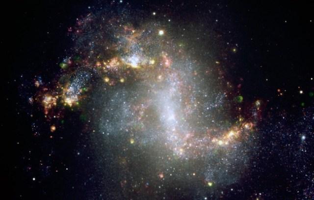 Galaksi yang sangat aktif melahirkan banyak bintang baru. Kredit: ESO.