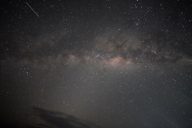 Bima Sakti yang membentang di langit Maba, Maluku Utara. Fotografer: Fikry Maulana