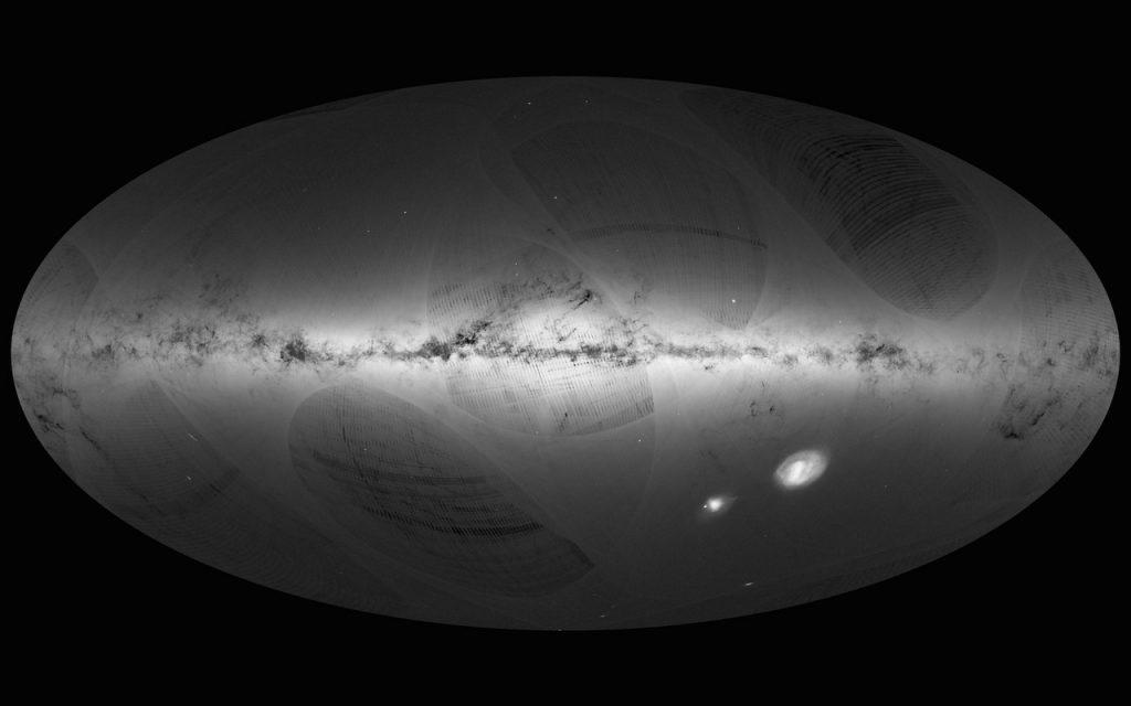 Satelit Gaia menggunakan kamera yang sangat ampuh untuk mengukur jarak ke bintang-bintang dan membuat peta Galaksi kita yang paling detil. Ini adalah foto pertama Gaia, yang berisi 1.100 juta bintang! Kredit: ESA/Gaia/DPAC.