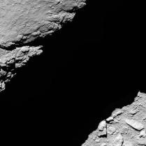 Dari ketinggian 1,2 km. Kredit: ESA/Rosetta/MPS for OSIRIS Team MPS/UPD/LAM/IAA/SSO/INTA/UPM/DASP/IDA