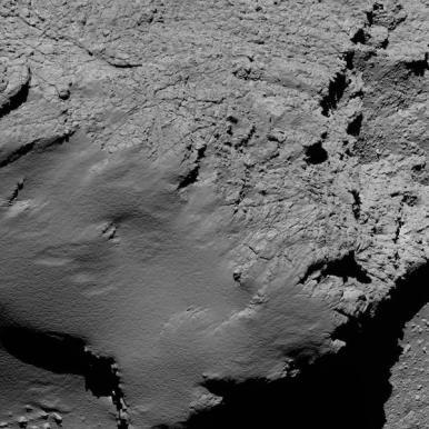 Dari ketinggian 8,9 km. Kredit: ESA/Rosetta/MPS for OSIRIS Team MPS/UPD/LAM/IAA/SSO/INTA/UPM/DASP/IDA