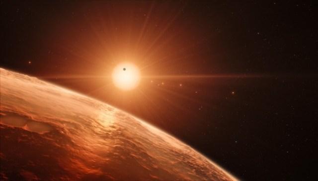 Bintang OGLE-TR-122 tampak dari salah satu planet yang mengorbitnya. Kredit: ESO/M. Kornmesser
