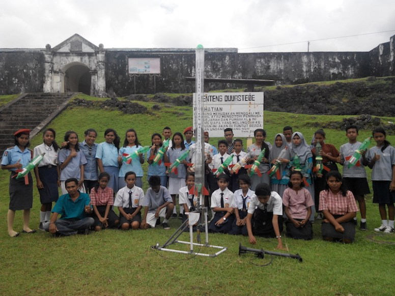 Workshop roket air di Saparua. Kredit: Aldino Adry Baskoro