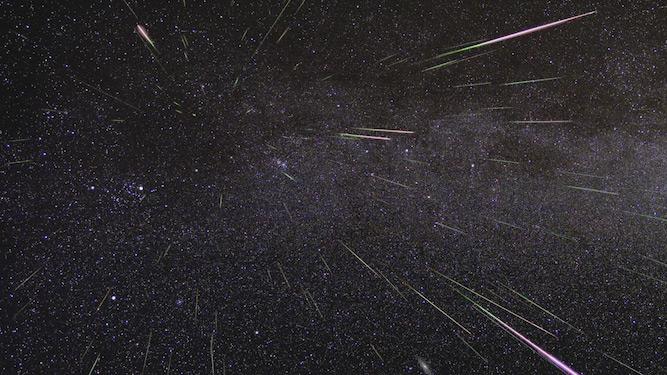 Hujan meteor Geminid terjadi sekitar tanggal 13-14 Desember setiap tahun. Foto ini dipotret pada saat hujan meteor tahun 2009. Kredit: NASA/JPL.