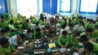 Kegiatan Surabaya Astro Club di SD Khadijah Pandegiling. Kredit: SAC
