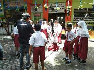 Kegiatan Surabaya Astro Club di SD Kaliasin 7 Surabaya. Kredit: SAC