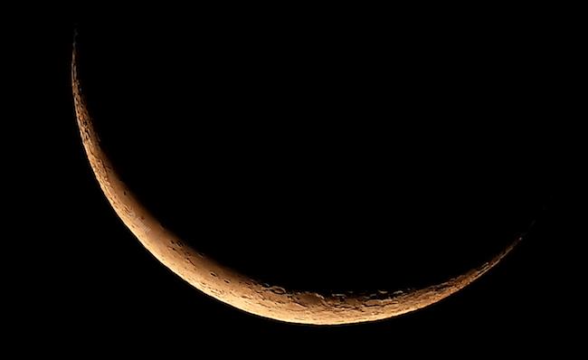 Bulan Sabit pada tanggal 1 Juni 2019. Kredit: Avivah Yamani / langitselatan