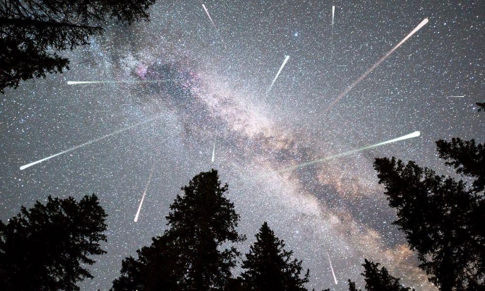 Hujan meteor. Kredit: Cylonphoto/GettyImage/Canva