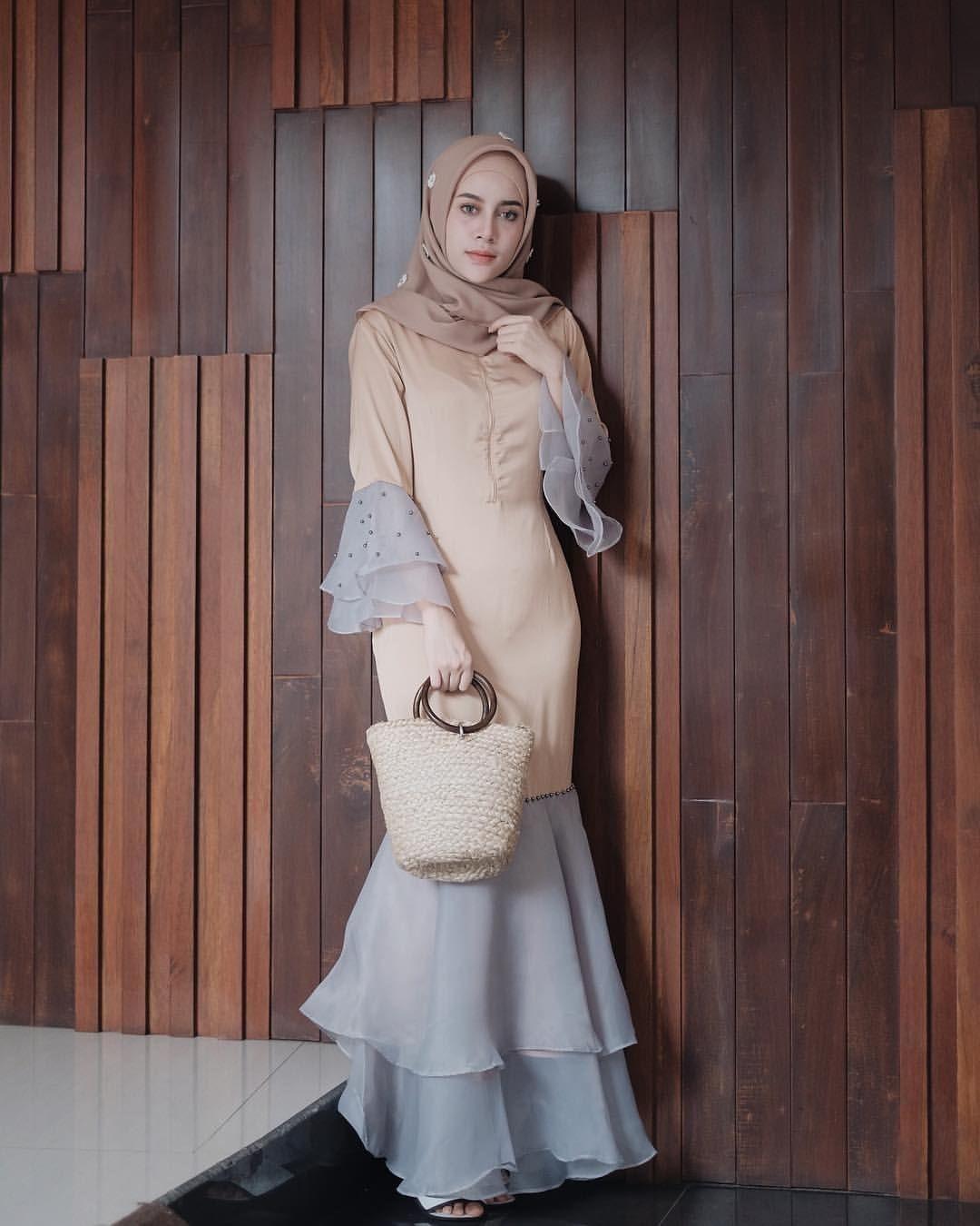 baju kondangan simple hijab dengan dress unik