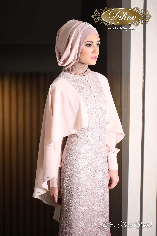 baju kondangan simple hijab dengan gaun cape