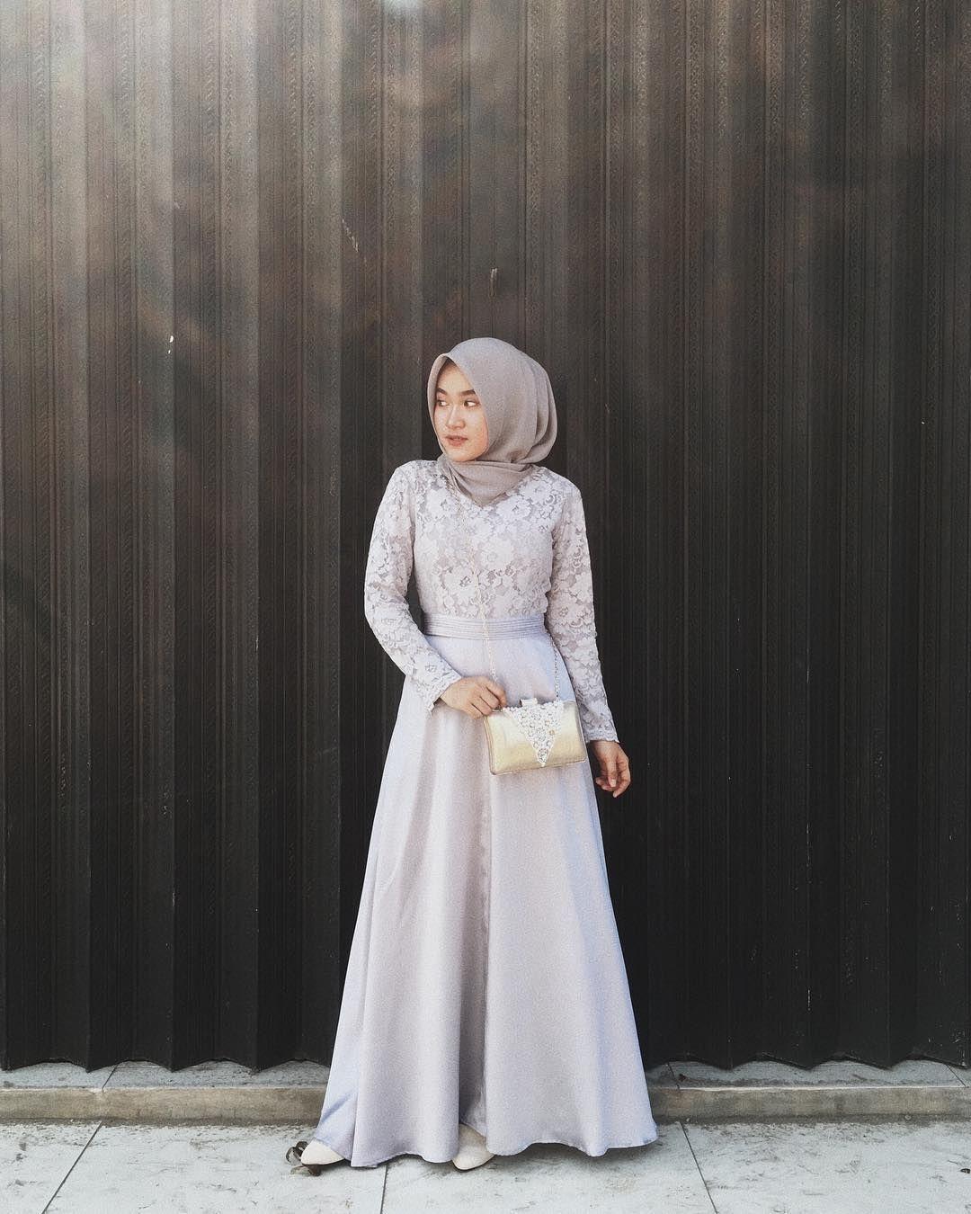 baju kondangan simple hijab dengan gaya chic