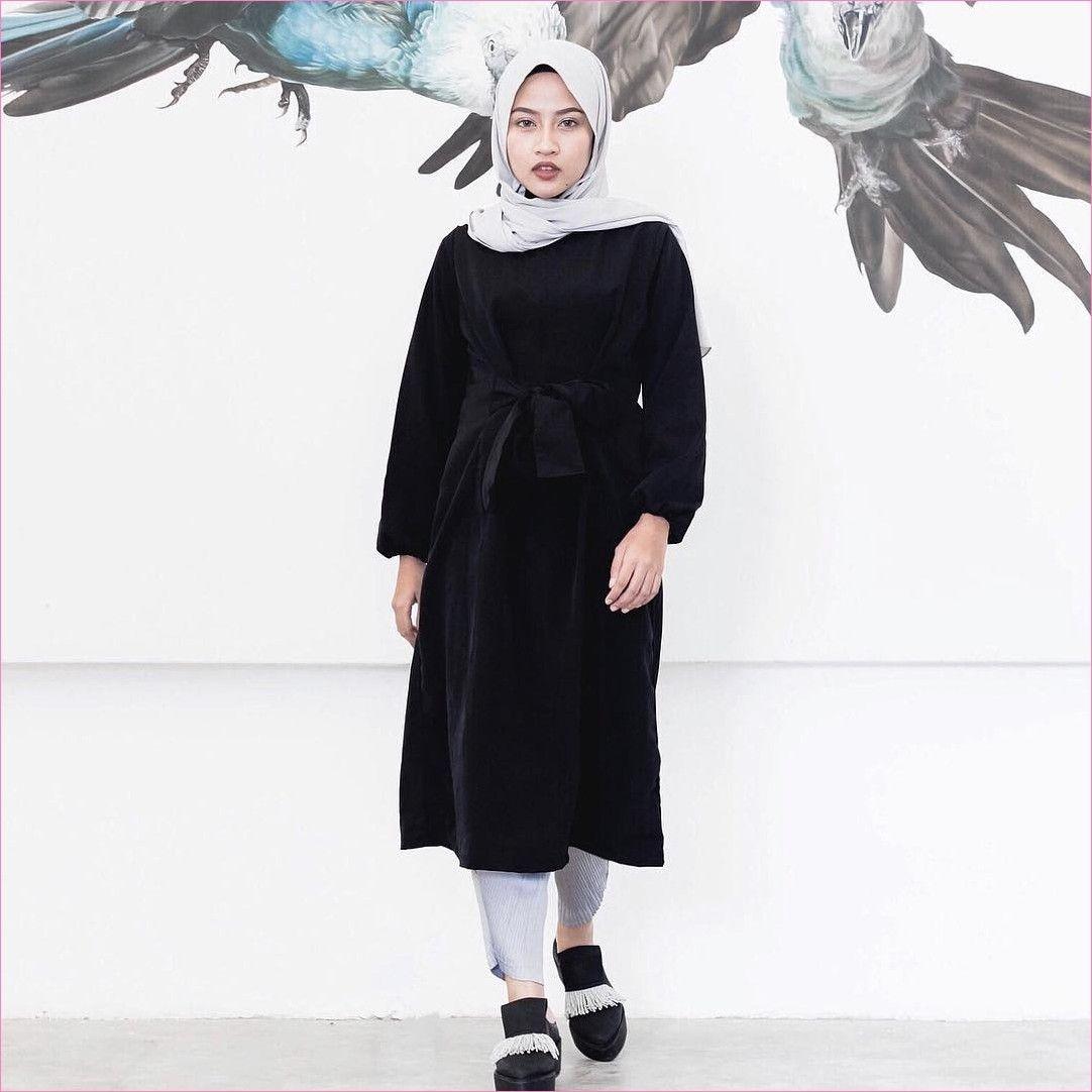 baju setelan celana hijab dengan warna monokrom