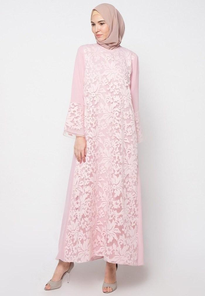 Dress brokat yang simple untuk ke pesta