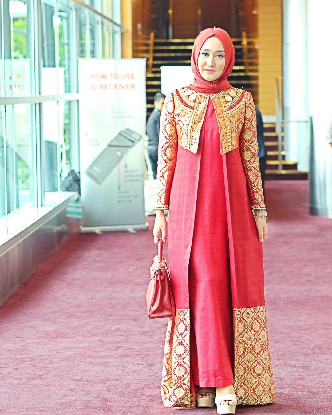 Gamis red