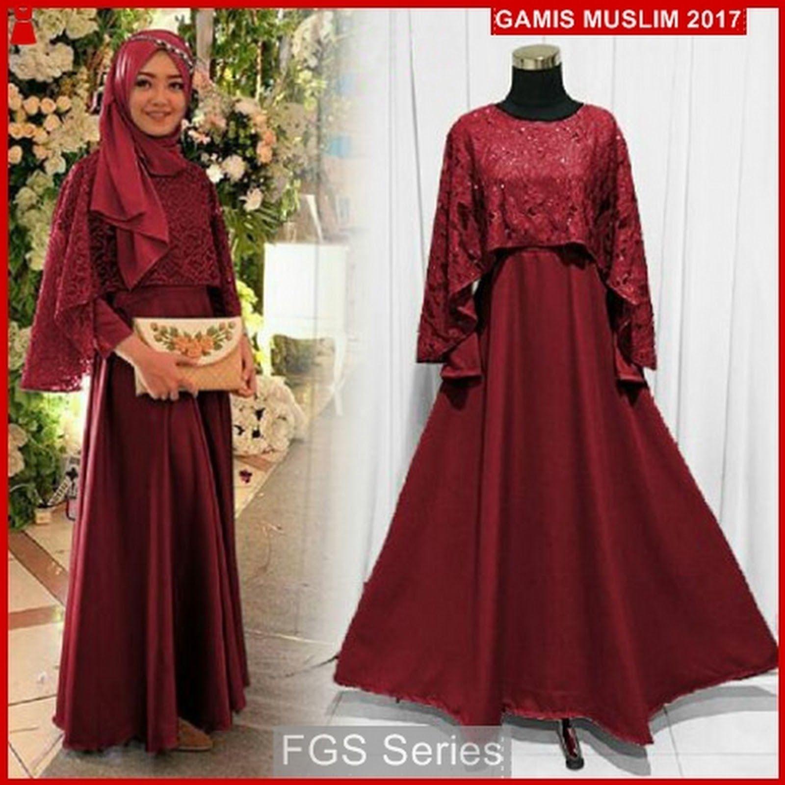 Gaun pesta merah maroon