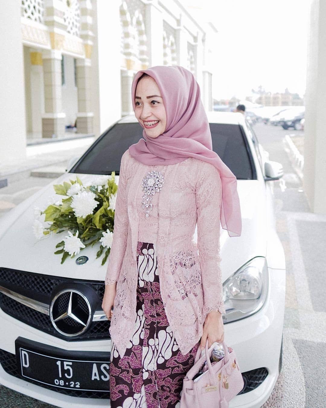 Kebaya kutu baru hijab dengan warna cantik