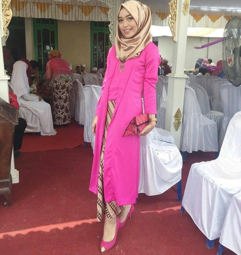 Kebaya kutu baru hijab yang panjang