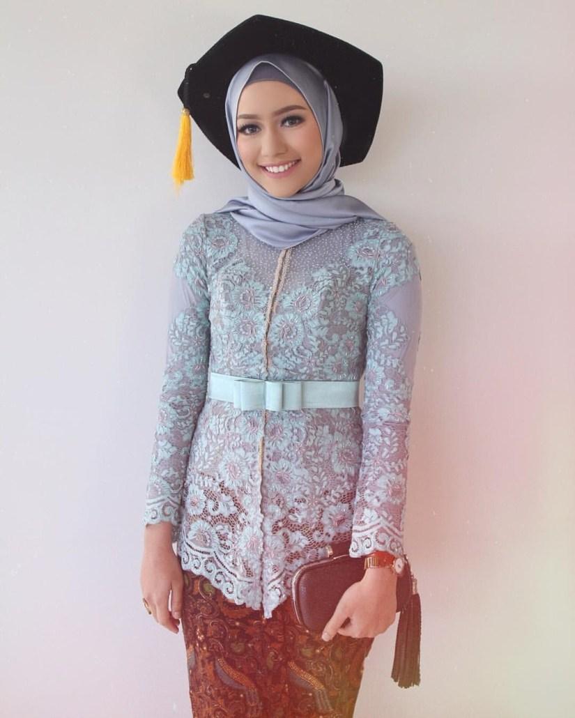 kebaya wisuda modern hijab yang sederhana