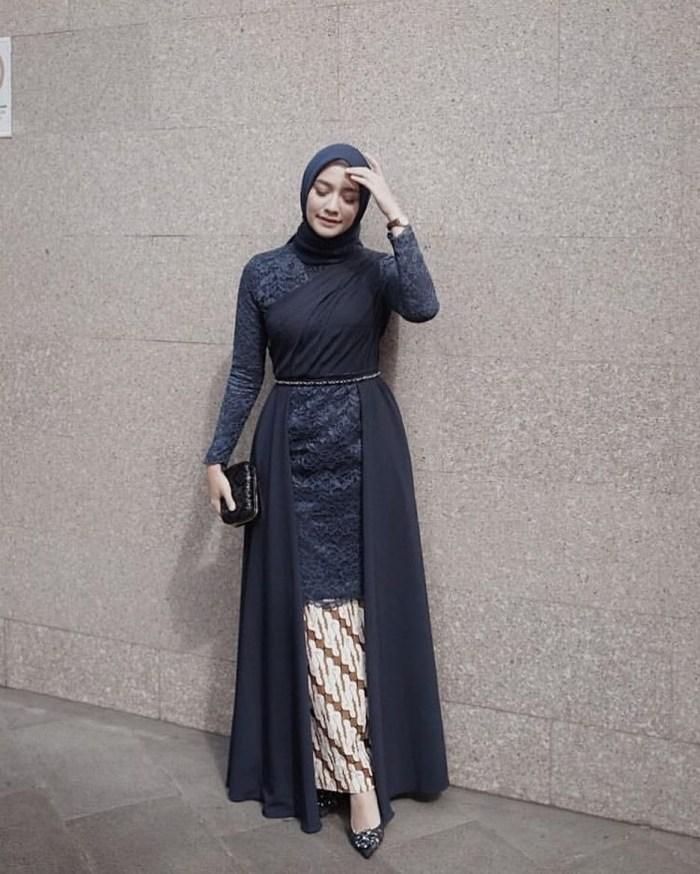 Outfit untuk kondangan