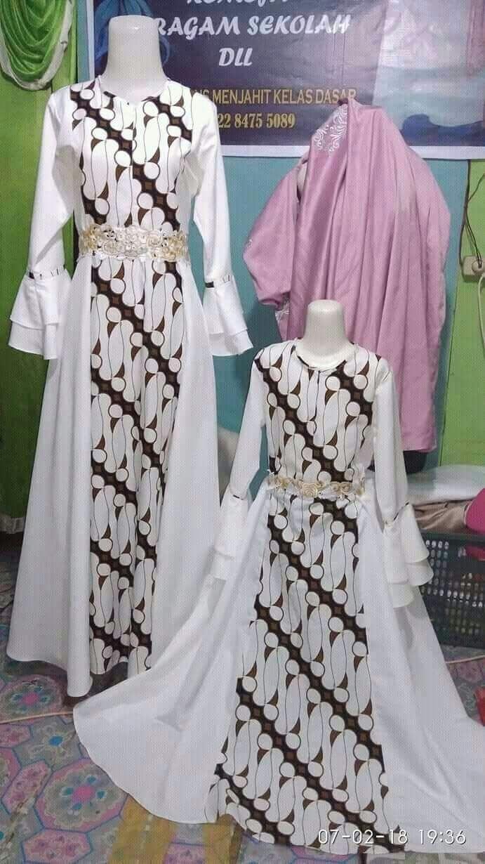 Inspirasi Model Gamis Batik Kombinasi Dengan Berbagai