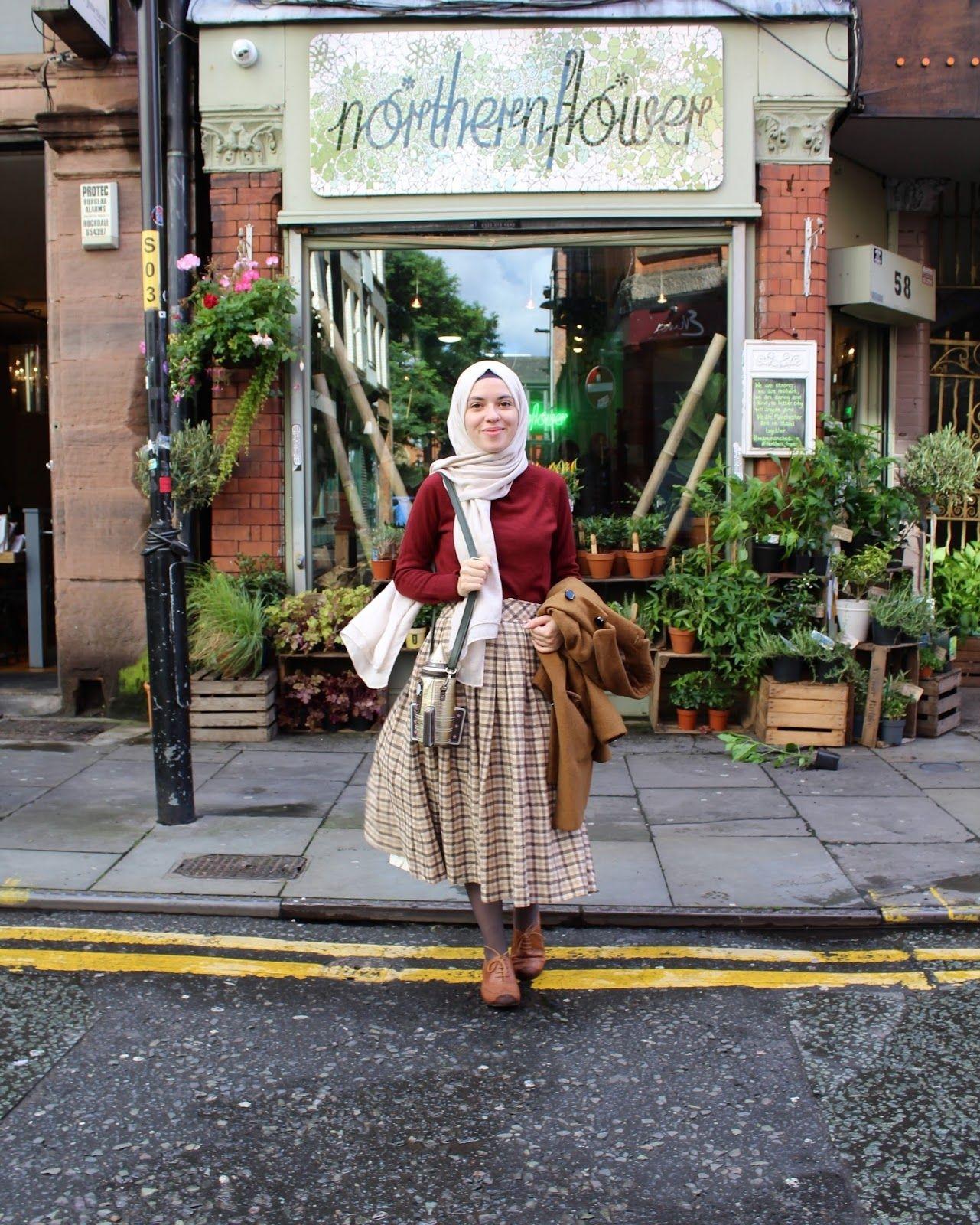 Style baju hijab simple dengan gaya vintage