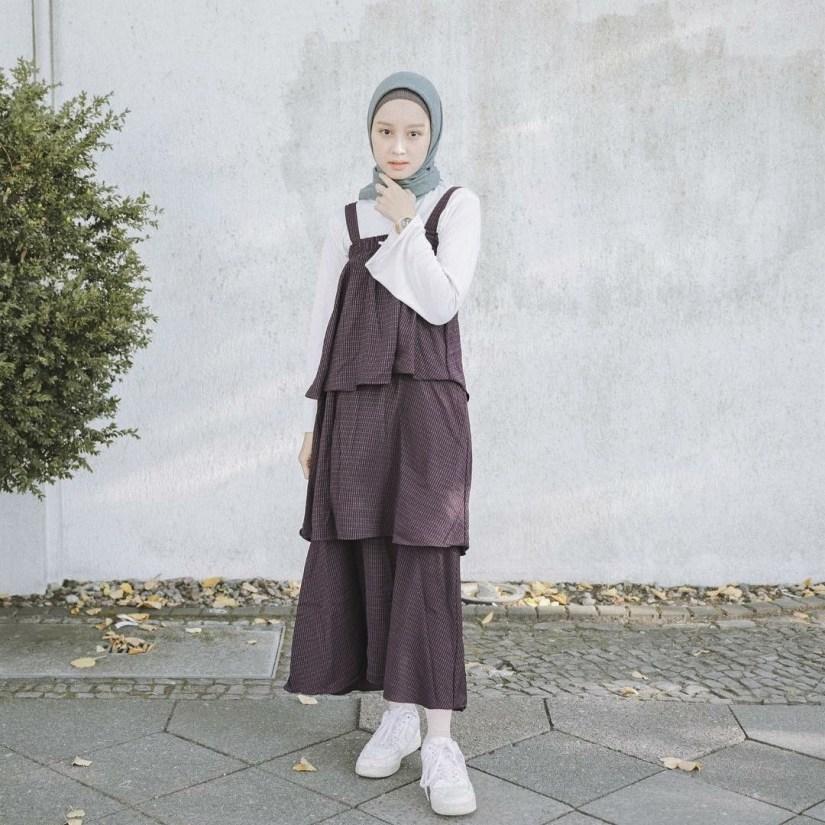 Style baju hijab simple yang kasual
