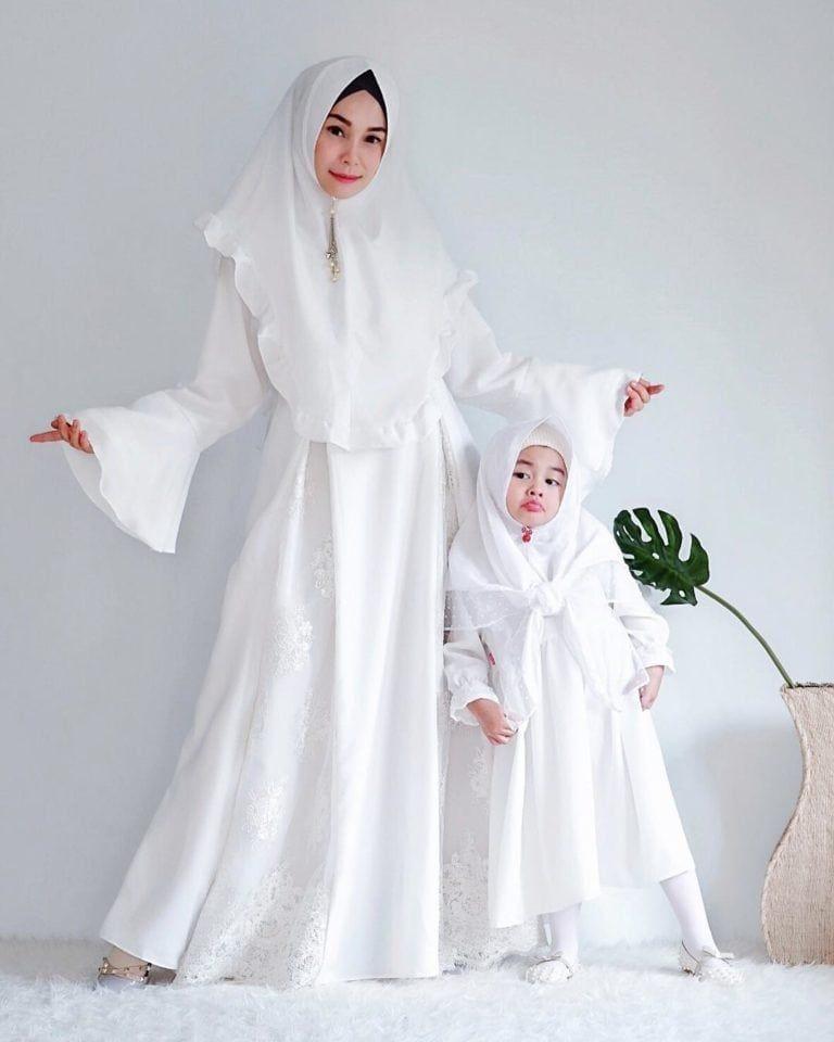 37 model gamis couple ibu dan anak perempuan terbaru 2020