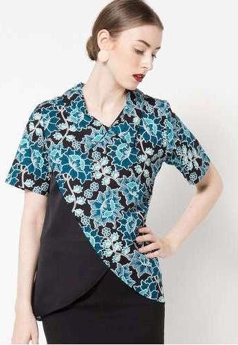 49 model baju blus batik kombinasi polos yang banyak di